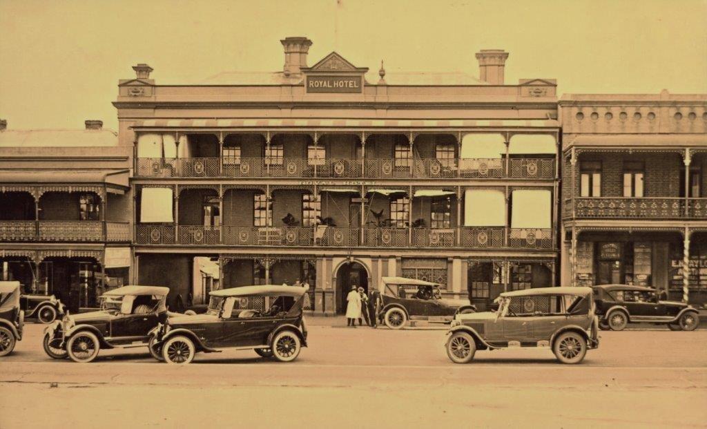 Royal Hotel - 1920s scene