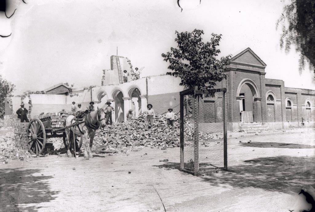 Demolition of the Market Building Dec 1909