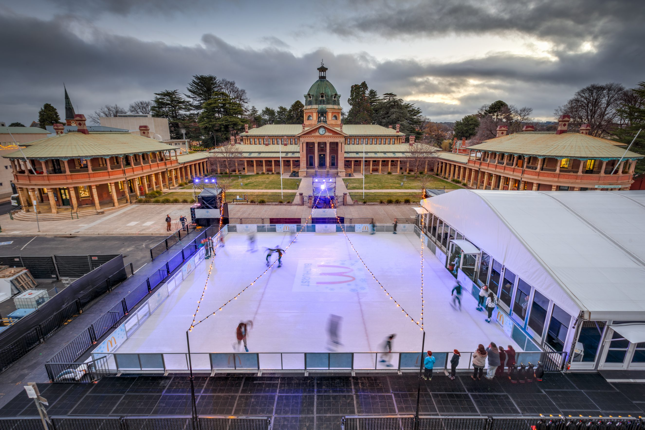 2016 – Aerial view of Ice Rink and Bathurst Court House